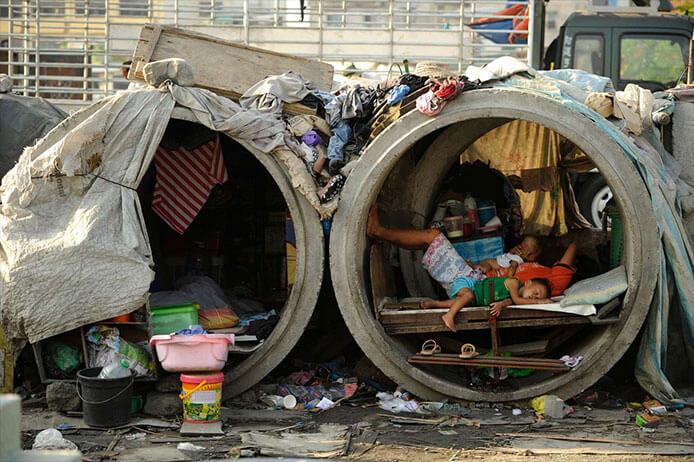 菲律宾穷人家的孩子们