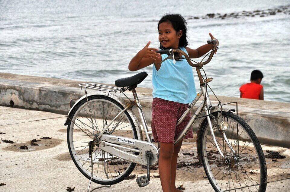 菲律宾小女孩
