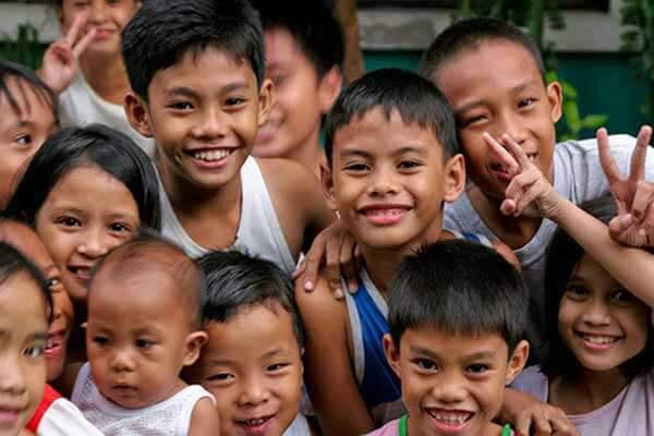 菲律宾大家庭-孩子