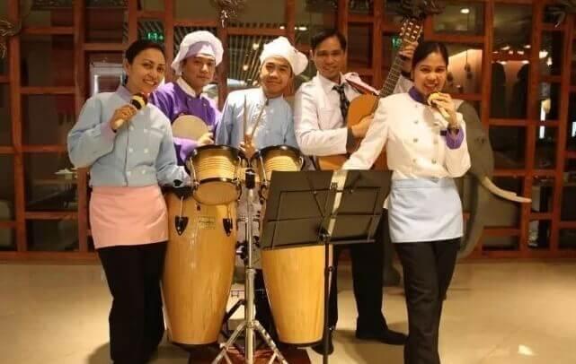 武汉菲律宾人-菲律宾餐厅员工