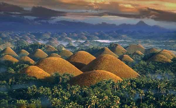 菲律宾巧克力山