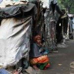 菲律宾贫困人士生前居住环境差,死后也不得安宁,很可能无家可归