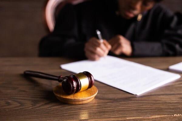 菲律宾法规惹争议